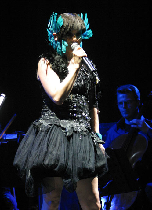 Jul 17, 2003; Moscow, RUSSIA; Icelandic singer BJORK performs in Moscow at the Olympiysky Sports Complex. This one-of concert is part of her summer tour. Mandatory Credit: Photo by Dmitry Lekay/Kommersant/ZUMA Press. (©) Copyright 2003 by Dmitry Lekay/Kommersant