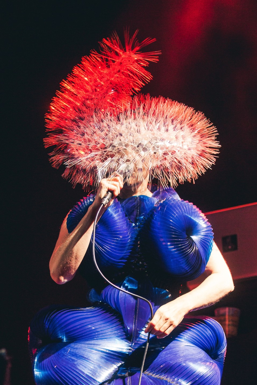 Headpiece: Maiko Takeda. Dress: Iris Van Herpen. Photo: Dara Munnis