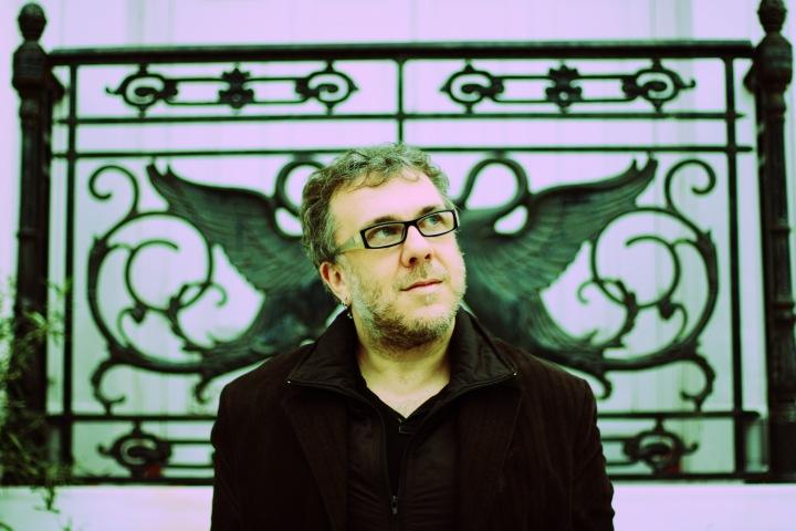 robin-guthrie-portrait-press-carousel.jpg
